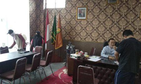 Ruang Rektor Kembali Di Semprot Disinfectan